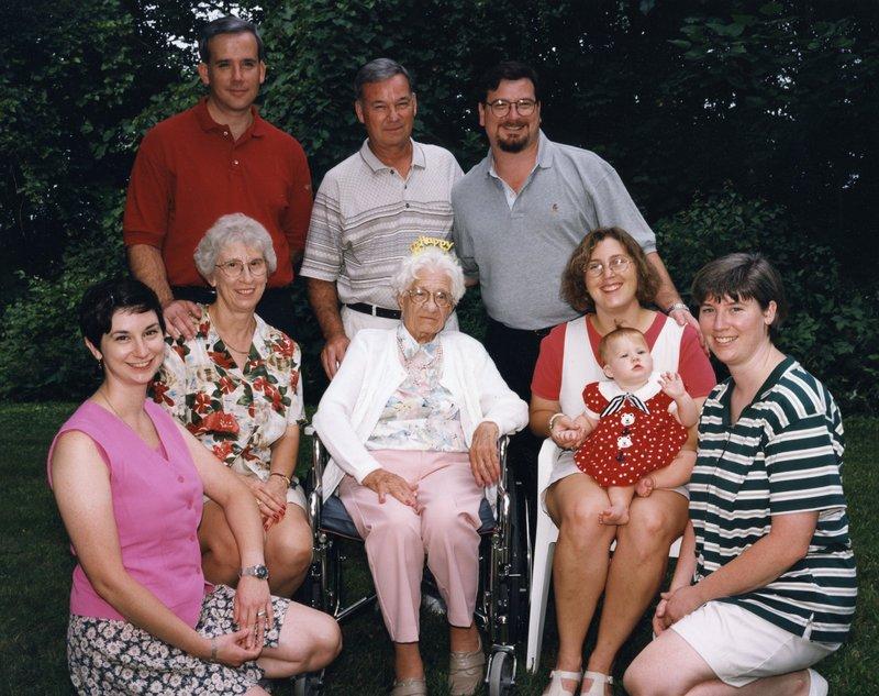 Grandma_davis_90th_birthday_1
